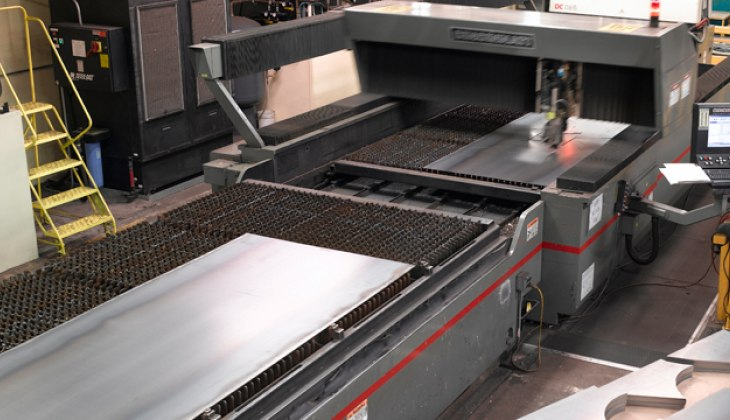 Laser cutting of thick steel plate